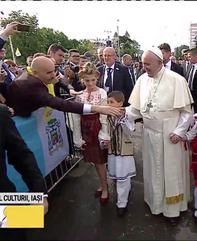 papa in romania